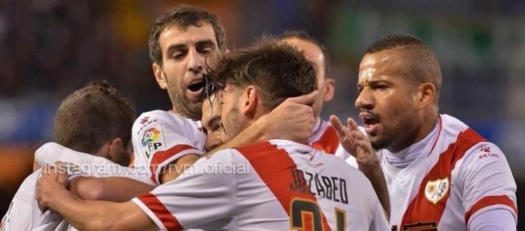 Los jugadores del Rayo celebran el gol de Jozabed (Foto: Rayo Vallecano)