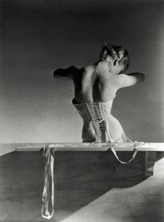 «Horts», 'Mainbocher corset' (1939)