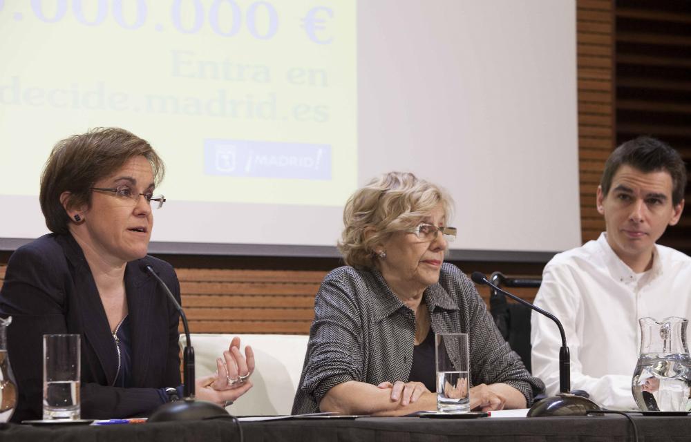 Purificación Causapié, Manuela Carmena y Pablo Soto (Foto: Ayto. de Madrid)